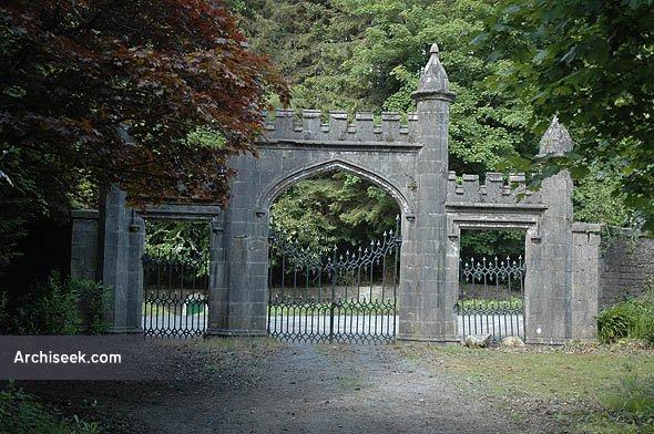 castle_leslie_gates_lge