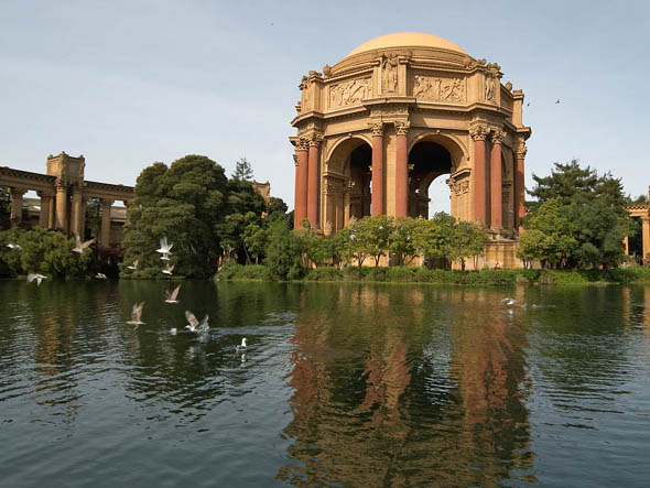palace_of_fine_arts_lge