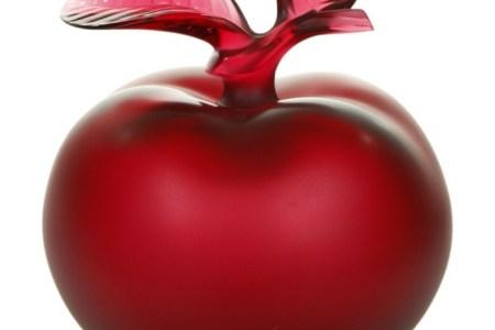 flacon de parfum pomme rouge resized 1