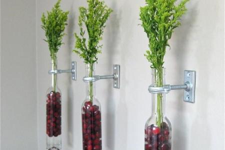 blumen deko ideen wand glas flaschen gr%c3%a4ser kirschen