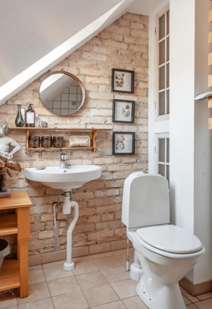 ... Interessantes Kleines Bad Einrichten Effektvolle Ziegelwand ...