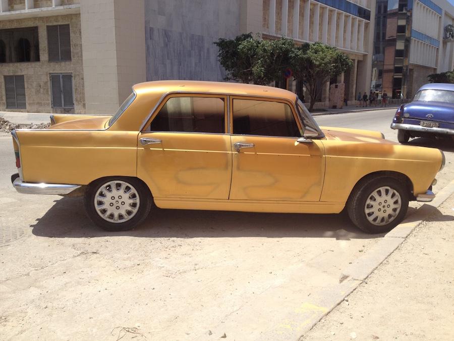gold car sml