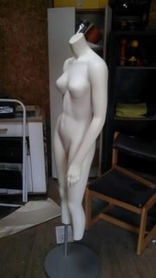 Mannequin unpainted
