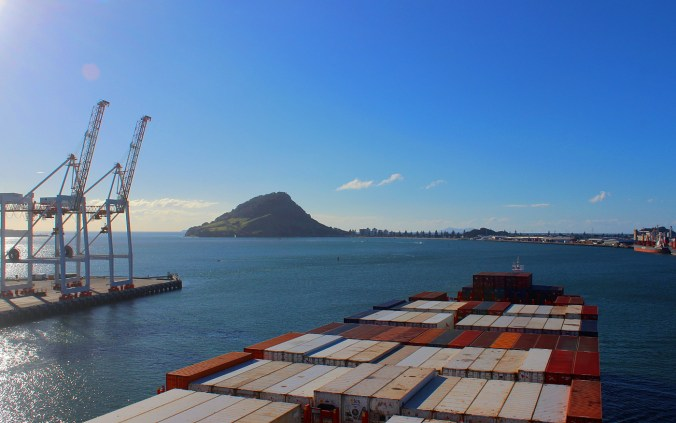 How to prepare for container ship travel?