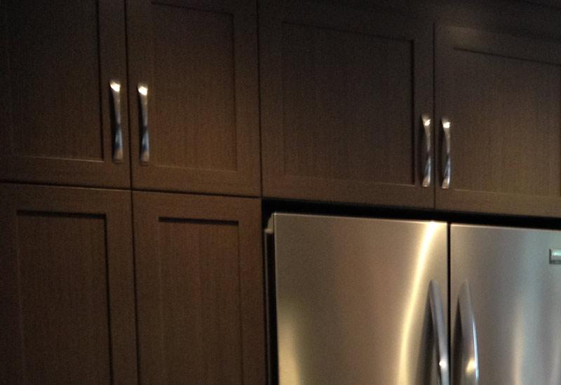 Cuisine en polyester avec comptoir stratifi armoires for Armoire cuisine polyester