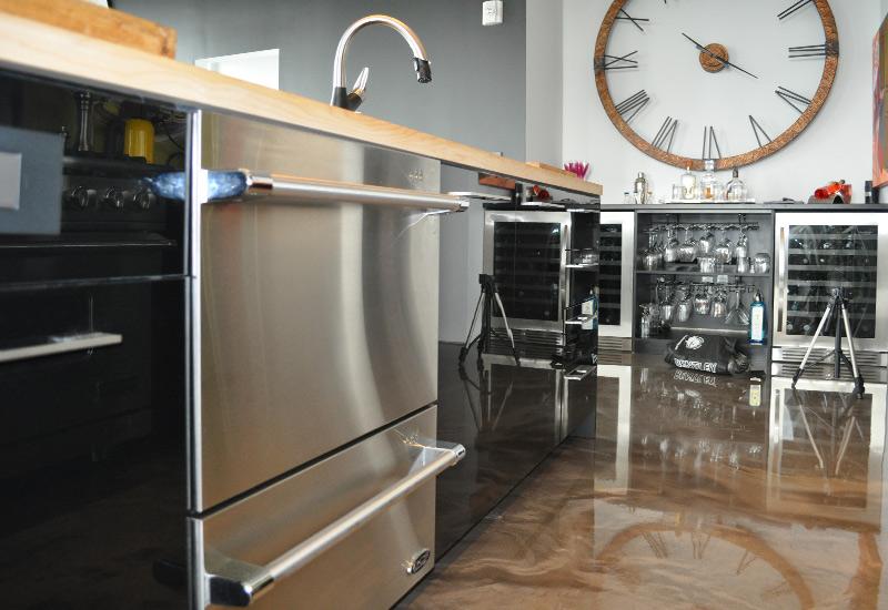 Cool cuisine en polythylne noir lustr comptoir rable for Comptoir de cuisine noir