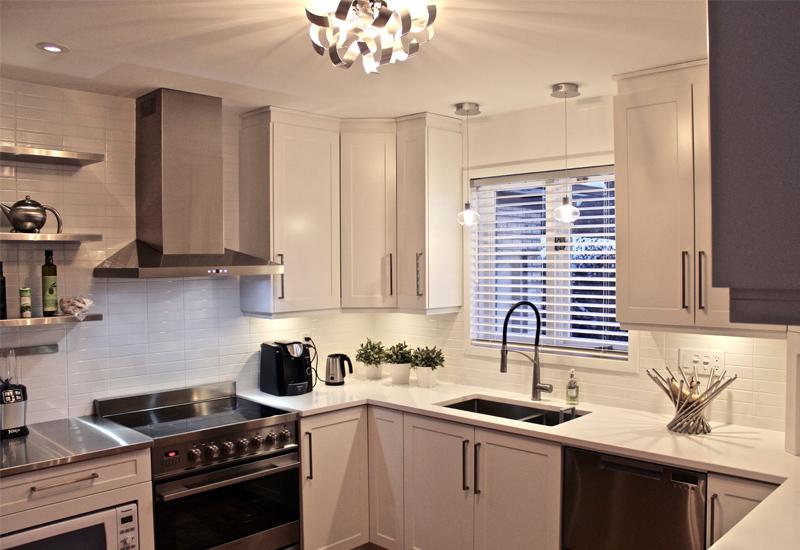 Armoires de cuisine montr al armoires super prix - Cuisine en blanc ...