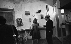 Выставка в мастерской у Леонида Сокова, 1976. Мераб Мамардашвили // Фото: Игорь Макаревич