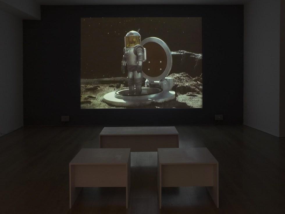 Павел Клушанцев. Луна. 1965 // Выставка Beyond Zero // Фото: Andy Keats
