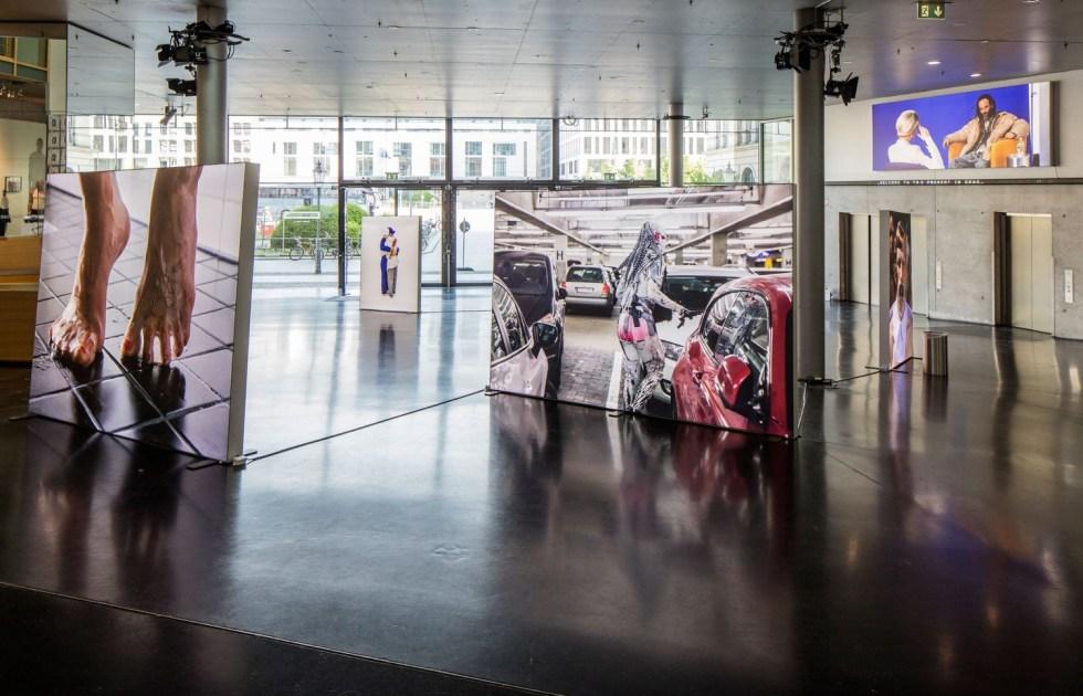 LIT, 2016 // Общий вид экспозиции в Академии искусств в рамках 9 Берлинской биеннале // Фото: Timo Ohler
