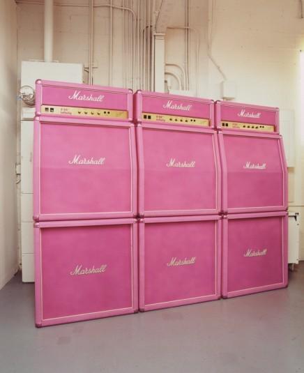 Каз Оширо. Розовый комплект двойных аудиоколонок Маршалл