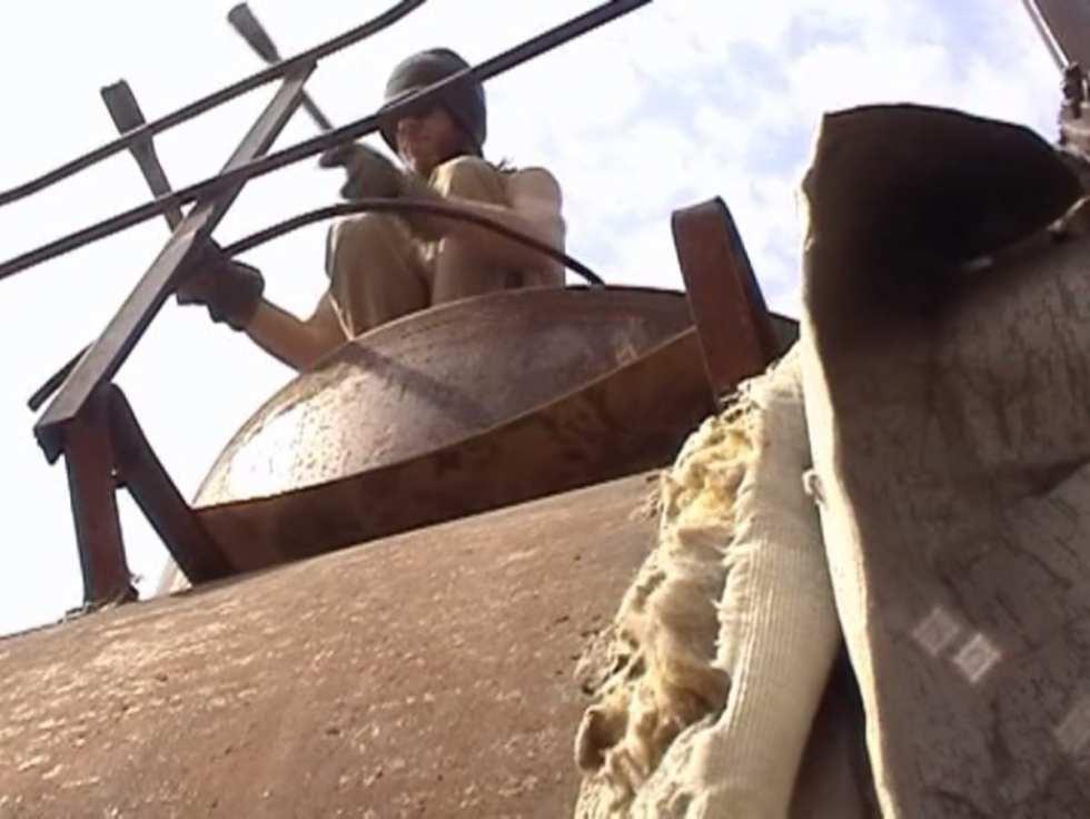 Виктор Назаров. Артур Суренович, пойдем пить, 4'06'' (кадр из видео), 1999. Музыка Евгений Забазнов