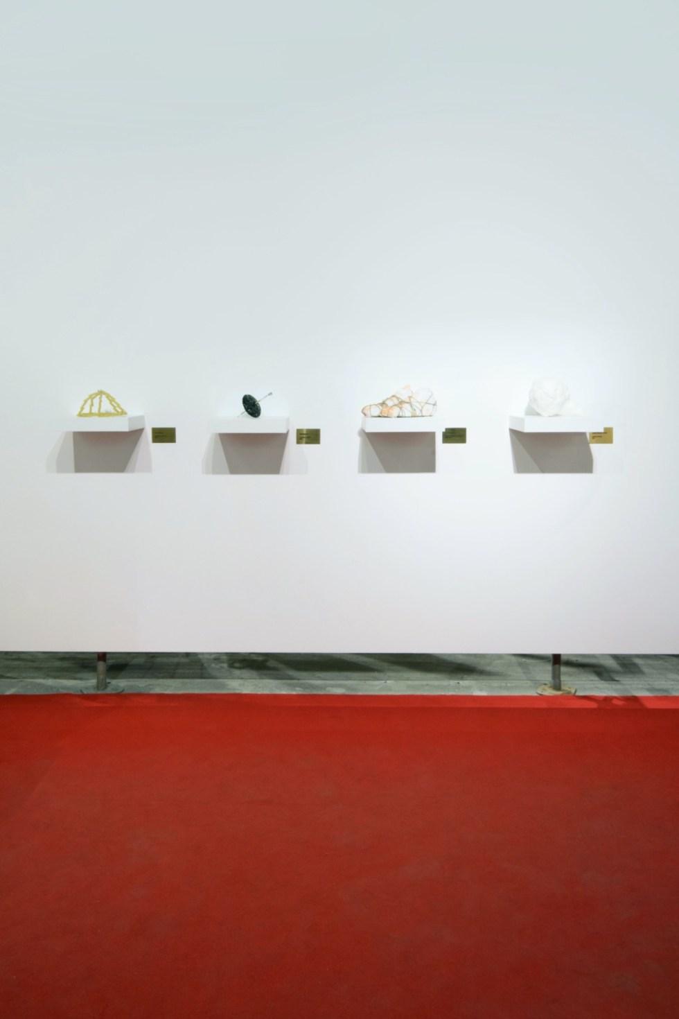 Андрей Ишонин, «4276 3801 7326 7720 Сбер», 2020. Виды экспозиции. Фото Кристина Матвеева.