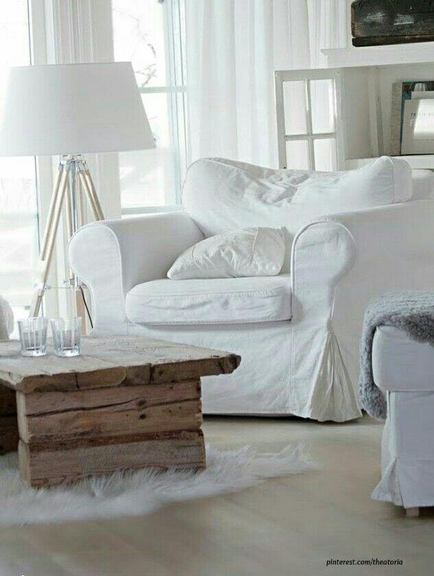 Salotto in stile minimal chic arredamento shabby for Casa minimal chic