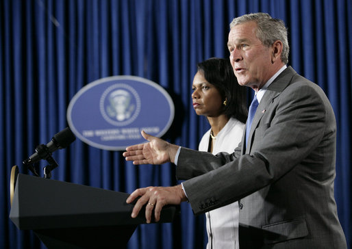 Bush_delivers_Middle_East_crisis_statement_w_Rice_Aug_7_2006