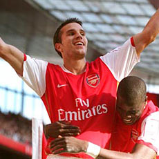Robin van Persie has only positive things to say about the current Arsenal squad