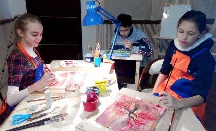 дети рисуют в студии ArtClass