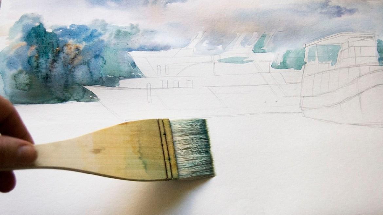Смачиваем бумагу перед рисованием воды
