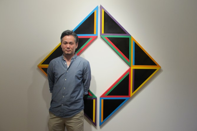 Artist Tadasuke Jinno at Tazza Gallery