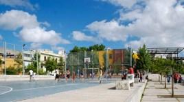 En construcción en Cordón enfrente a la Plaza Liber Seregni