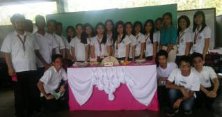 Grade 10 (4th year) - Diamond, 1st place winners in Table Skirting and Adobo Cooking contest
