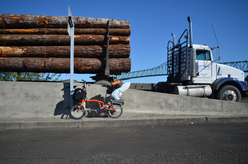 Cycling with logging trucks