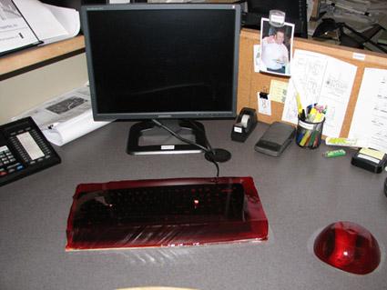jell-o-keyboard-mouse-prank-20-425.jpg