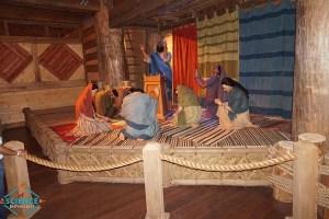 Ark Encounter Praying to Noah