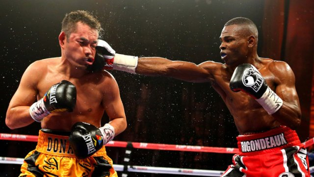 Guillermo Rigondeaux (R) outpointed Donaire