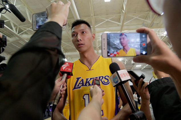 Veteran Yi Jianlian hoping versatiliy could win him spot on Lakers roster
