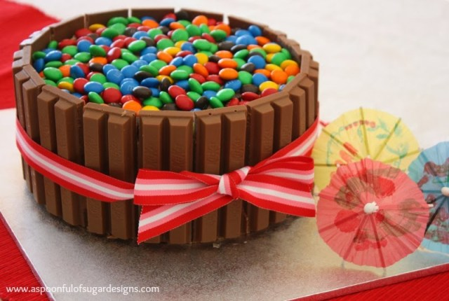 Kit Kat Cake Recipe Easy