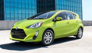 2016-Toyota-Prius-C-hybrid-3