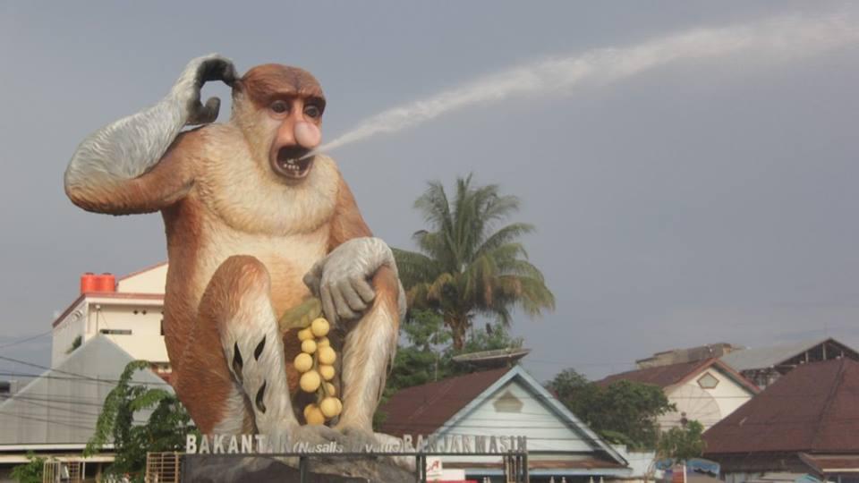 patung bekantan banjarmasin merlionnya indonesia oleh keliling kompasiana com