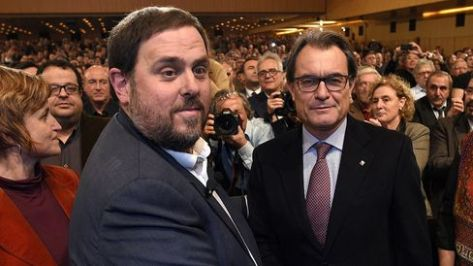 Esquerra Republicana leader Oriol Junqueras with Catalan President Artur Mas in Barcelona on December 2, 2014. Photographer: Lluis Gene/AFP via Getty Images