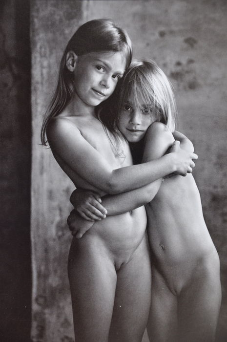 lukas roels girls nude color
