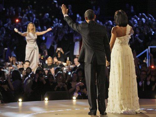 http://i1.wp.com/assets.gcstatic.com/u/apps/asset_manager/uploaded/2012/38/-barack-obama--michelle-obama-an-beyonce-1348238414-custom-0.jpg?w=678