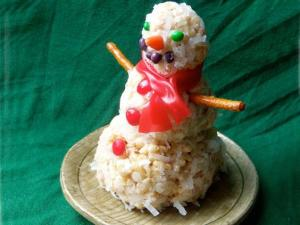 Coconut Rice Bubble Snowmen