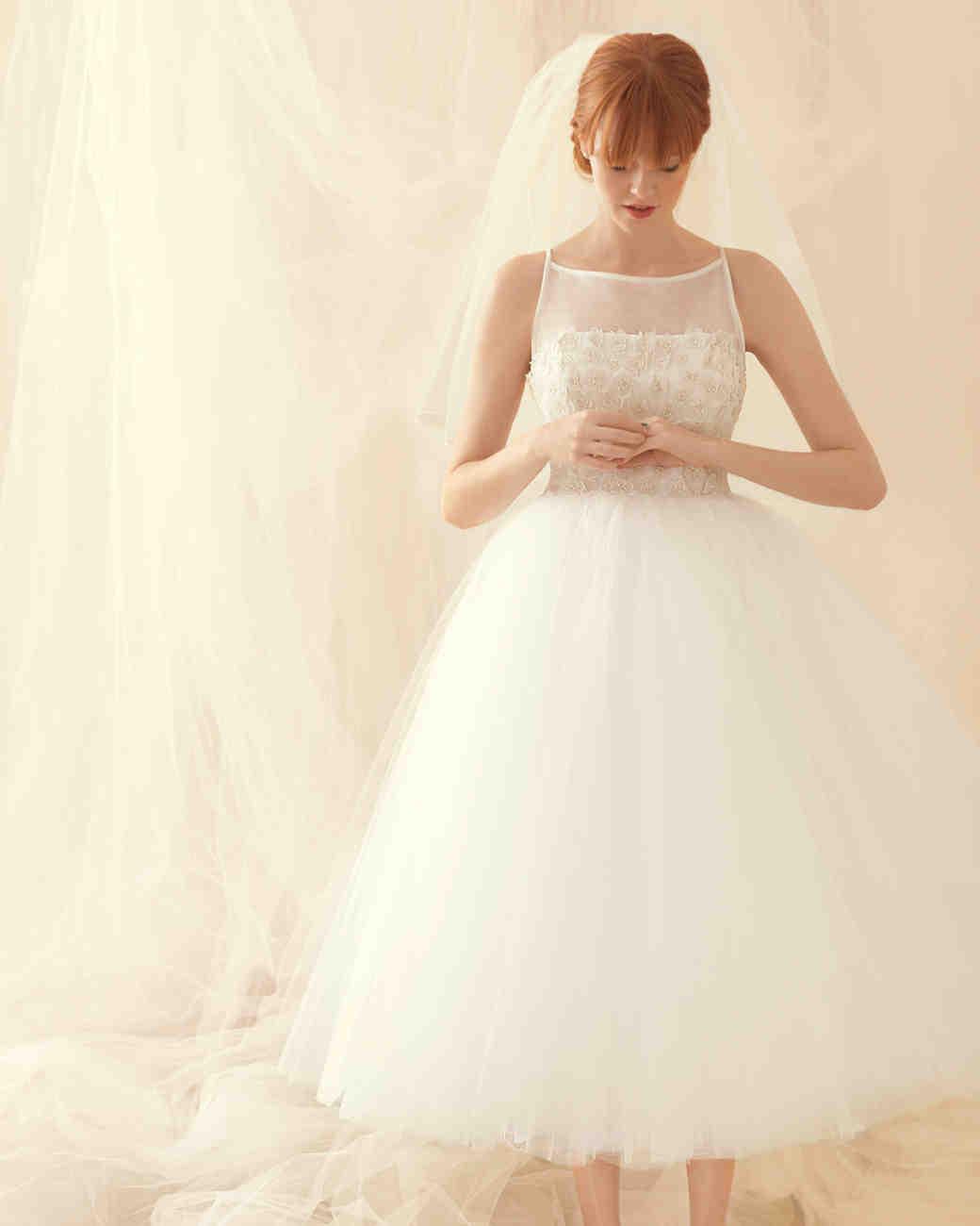 best wedding dress shopping tips best wedding dress Set a Budget