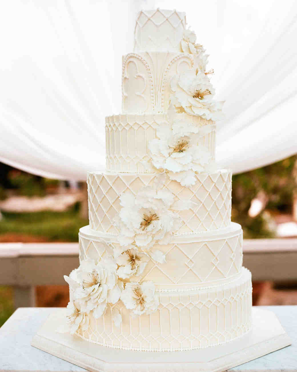 amazing wedding cakes wedding cakes pictures detailed all white cake