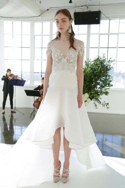 Adorable Fall Biggest Bridal Trends Vogue Wedding Dress Styles Different Body Types Wedding Dress Styles 2019