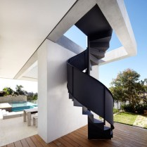 Bronte House by Tobias Partners. Photo by Justin Alexander | Yellowtrace.