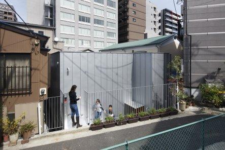 Daylight House by Takeshi Hosaka Architects, Yokohama, Tokyo | Yellowtrace