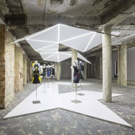 Intersecting Mirrored Exhibition by Bureau Betak | Yellowtrace