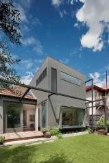 Elwood House by Robson Rak Architects & Made by Cohen, Melbourne | Yellowtrace