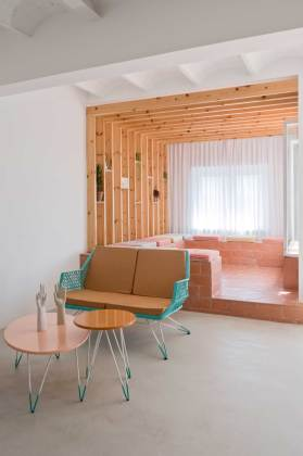 Refurbished Holiday Apartment by Colombo and Serboli Architecture | Yellowtrace