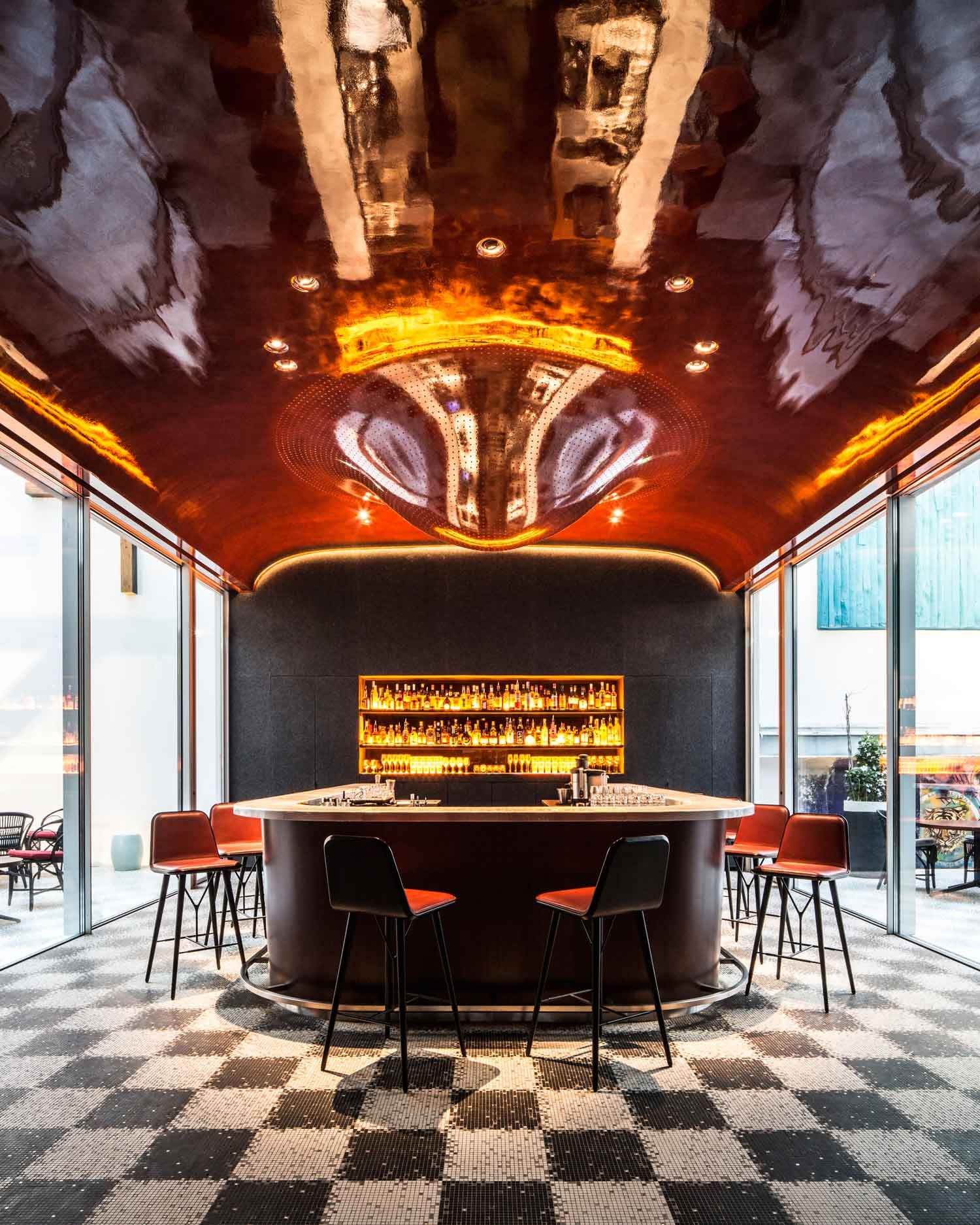 Legendary nightclub les bains paris becomes a luxury hotel for Design hotel paris