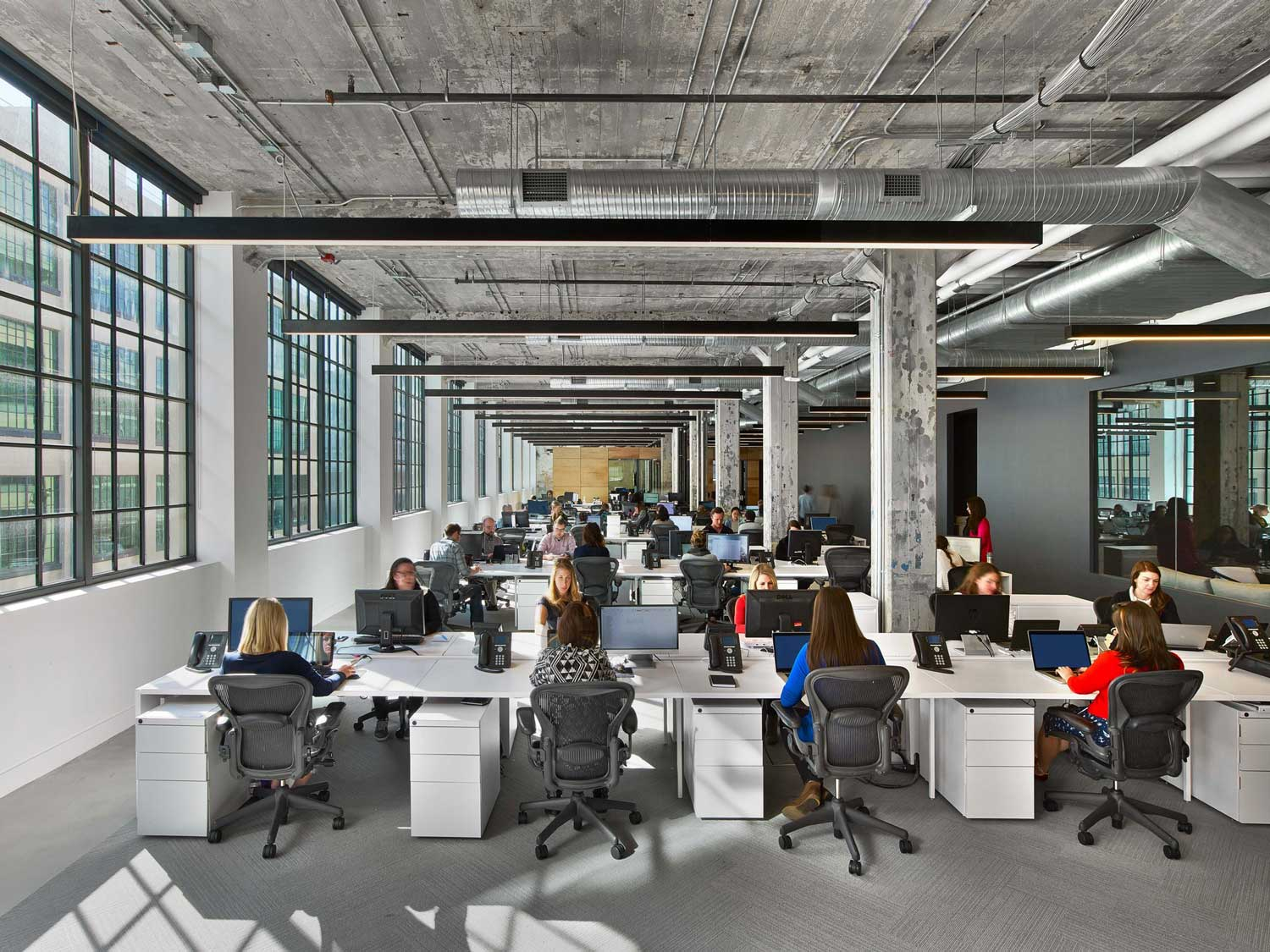 Mullenlowe ad agency office in winston salem us by tpg for Design agency singapore