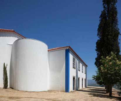 18th Century House Renovation in Mesao Frio, Portugal by SAMF Arquitectos | Yellowtrace