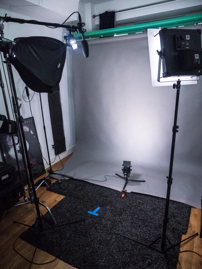 3x Fiilex 360EX LED lights, a F&V K4000 panel LED, and FalconEyes RX-18D