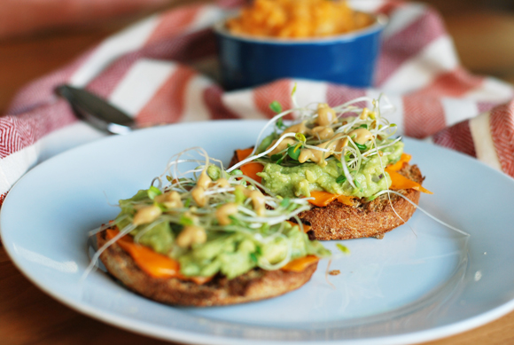 English Muffin With Guacamole & Sprouts